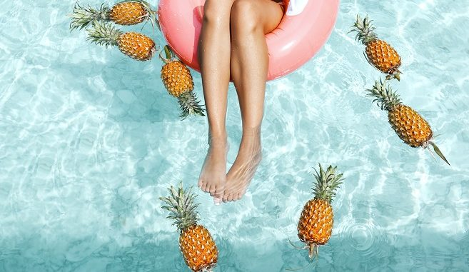 pool pineapple tourist travel