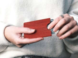 Oliver Co Travelcard Holder Red Wood