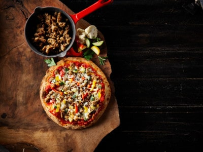 Oggi Foods creates plant-based, gluten free pizzas