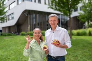Geschäftsführung easyVEGAN, Cassandra Winter, Martin Jager, Linsen, vegane Burger, Rosenburger, Österreich