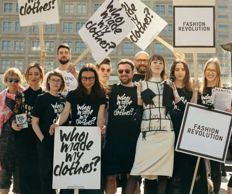 Bild der letztjährigen Demonstration anlässlich der Fashion Revolution Week in Berlin 2018 ©Fashion Revolution Week