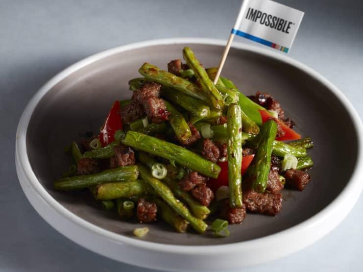 植物牛肉爆炒四季豆 © Impossible Foods